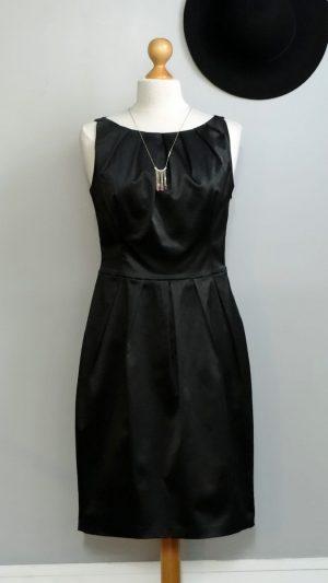 Robe noire satinée Les Petites 38